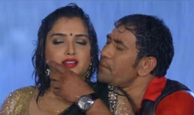 Nirhua and Amrapali are seen romancing once again, video goes viral