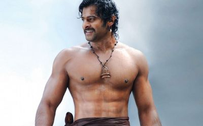 Bahubali fame Prabhas was madly in love with this actress, know who is lucky girl?