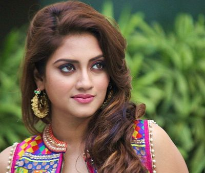 Nusrat Jahan observes fast on Karva Chauth, Looked very beautiful in red saree