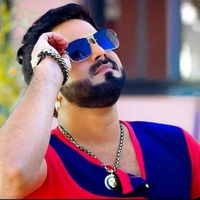 Pawan Singh's new Bhojpuri Devi song released, crosses millions of views