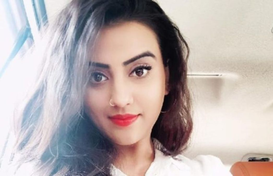 'Akshara Singh' remains a topic of discussion these days, this is her upcoming film