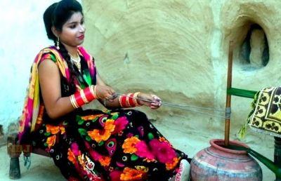 VIDEO : 'टकरार 'हिट हरियाणवी सॉन्ग, पीहर के चक्कर में गौरी भूल गई भरतार