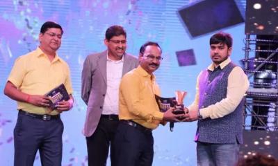 This man receives Bhojpuri cinema's best PRO award