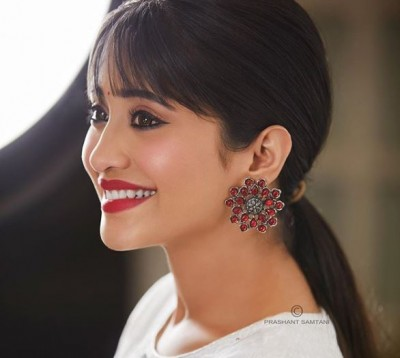 Yeh Rishta fame Shivangi Joshi is spending time with family