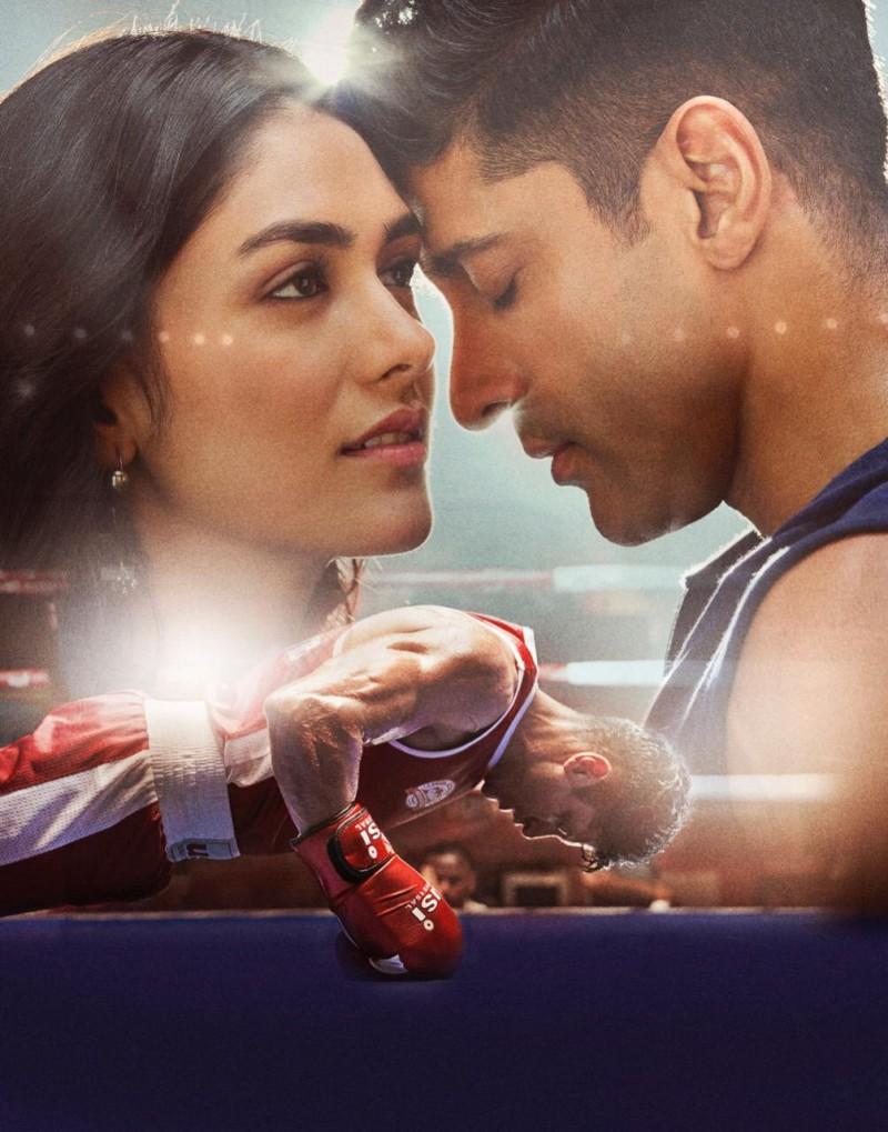 फिल्म 'तूफ़ान' में मृणाल ठाकुर को मिला मराठी भाषा में बोलने का मौका!