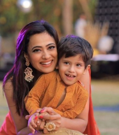 Shweta Tiwari's daughter told how to workout at home