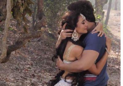 नागिन 3: बेला और माहिर की इस तस्वीर ने ट्वीटर पर छेड़ी जंग