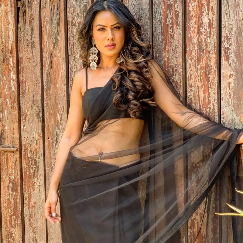 निया शर्मा ने कसा सेलेब्स पर तंज, कहा- कृपया उन सेंटर्स के नाम का उल्लेख करें जो... | NewsTrack Hindi 1