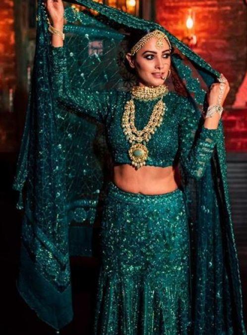 Anita Hassanandani looks wondrous in Green colour Accent, seems ...