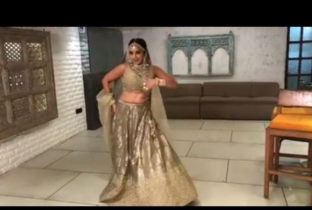 Monalisa was seen showing her moves on this song of Saaho, the video going viral!