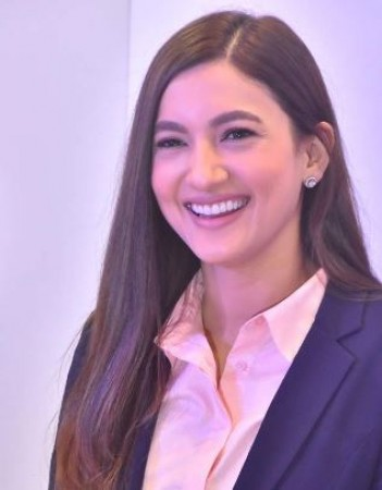 Is Gauhar Khan really dating this famous music director's son? | NewsTrack  English 1