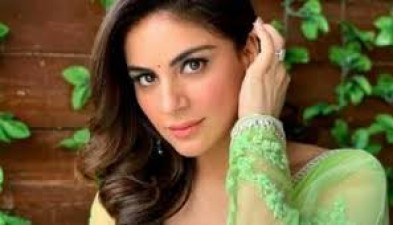These pictures of Shraddha Arya will make you crave for a beach vacation