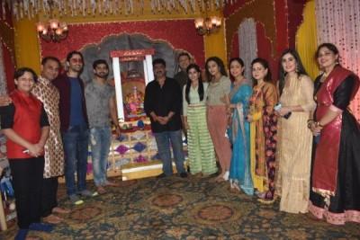 Pictures of Ganeshotsav from Yeh Rishta's set goes viral