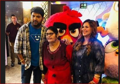 Kapil, along with his family and co-stars was seen at the screening of Angry Birds 2!