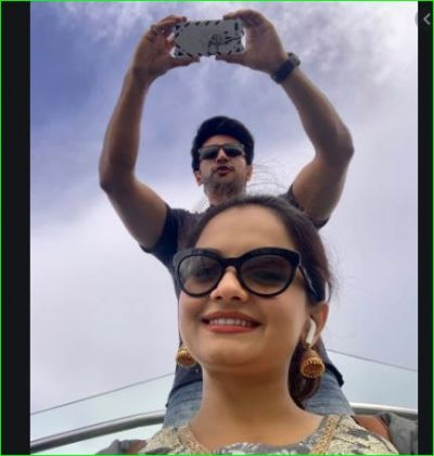 Gopi Bahu is dating this TV actor, revealed by photos