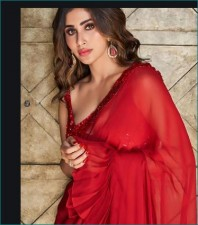 'Saree girl' Mouni Roy stuns in red saree,check out stunning photos here