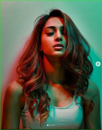 Erica Fernandes slaying with her angry look; see pictures