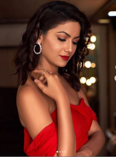 Kumkum Bhagya actress Sriti Jha makes her fans crazy with latest pictures