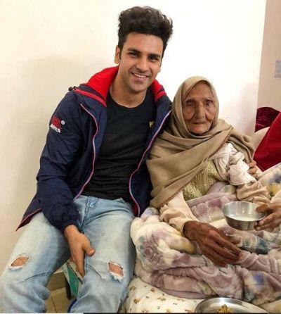 दादा की मौत के बाद दादी से मिलने पहुंचे विवेक दहिया, कहा कुछ ऐसा कि सुनकर रह गये हैरान