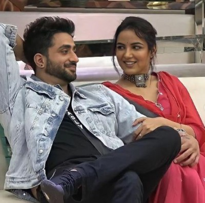 Jasmin Bhasin-Aly Goni met each other after leaving Bigg Boss house