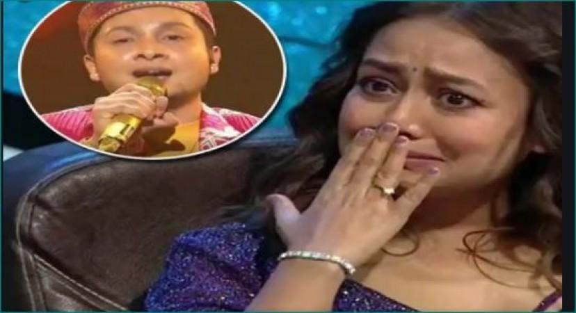 'इंडियन आइडल 12' के सेट पर नेहा ने तोड़ा अपना वादा, रोईं फूट-फूटकर