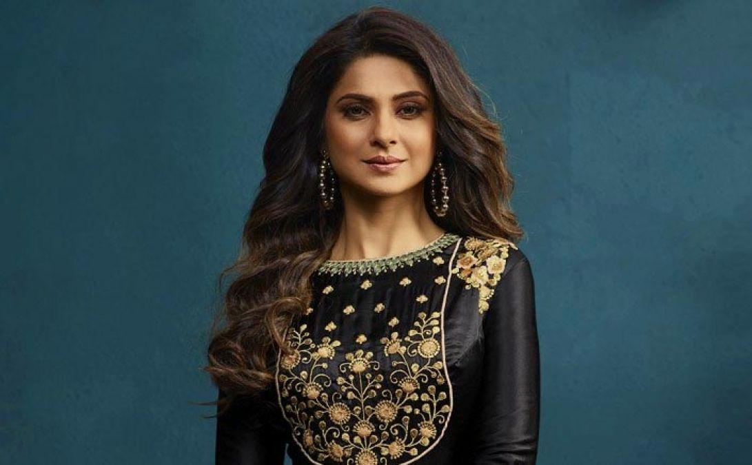 Tv Actress Jennifer Winget Gets New Project In New Year Newstrack English 1