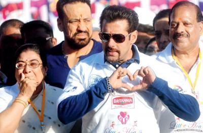 Sunny Leone aka 'Doctor Sunny'  in house, Salman Khan express his love