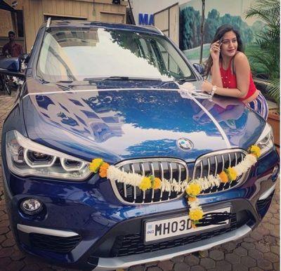 इश्कबाज की अनिका ने खरीदी BMW, फैंस दे रहे हैं बधाई