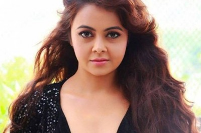 BB14: Devoleena enters house, will disclose name of top 3 contestants