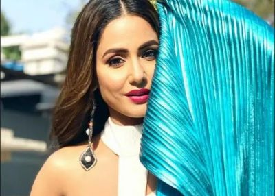 Hina Khan sings Kabir Singh's Tujhe Kitna Chahne lage', video goes viral
