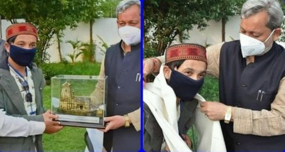 Pawandeep Rajan of Indian Idol 12 arrives to meet CM Tirath Singh Rawat