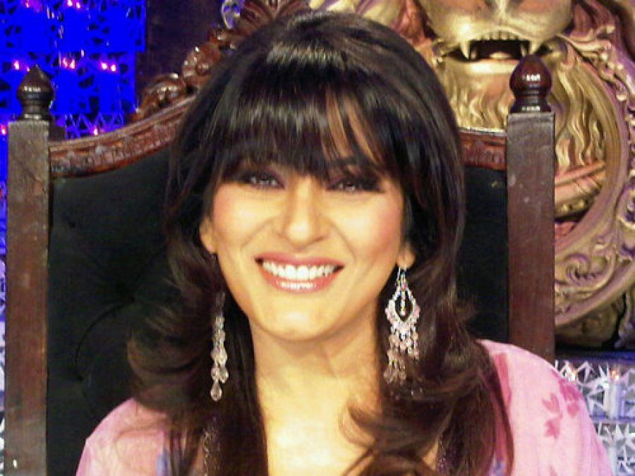 Archana is afraid of this popular politician, any guesses?