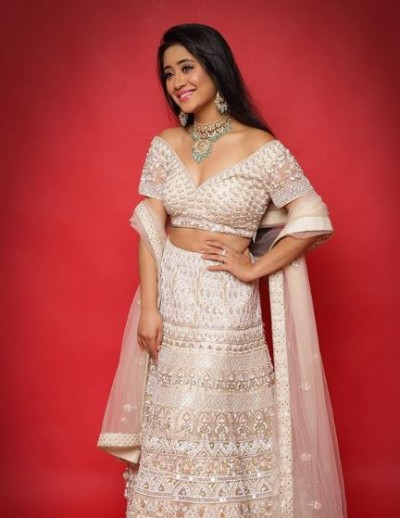 Shivangi Joshi wishes sister Sheetal on her birthday
