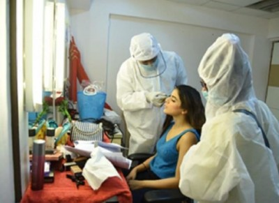 Make-up of heroines done with security rules before shooting