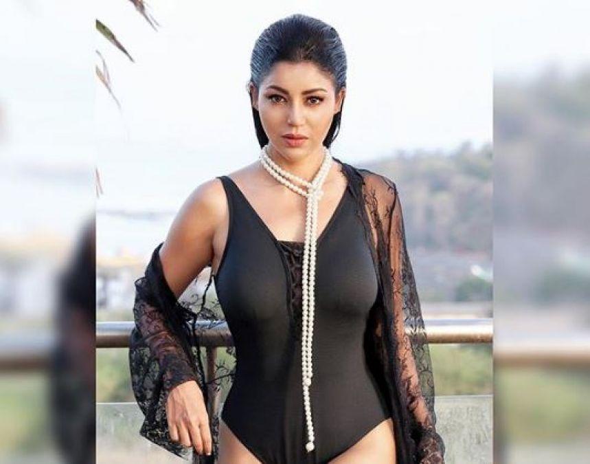 टीवी की 'सीता' ने शो में पहनी ब्लैक बिकिनी, फैंस का रहा ऐसा रिएक्शन |  NewsTrack Hindi 1