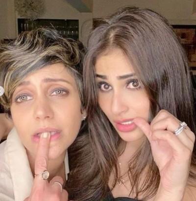 Mouni Roy upholds Mandira Bedi after Raj Kaushal's death