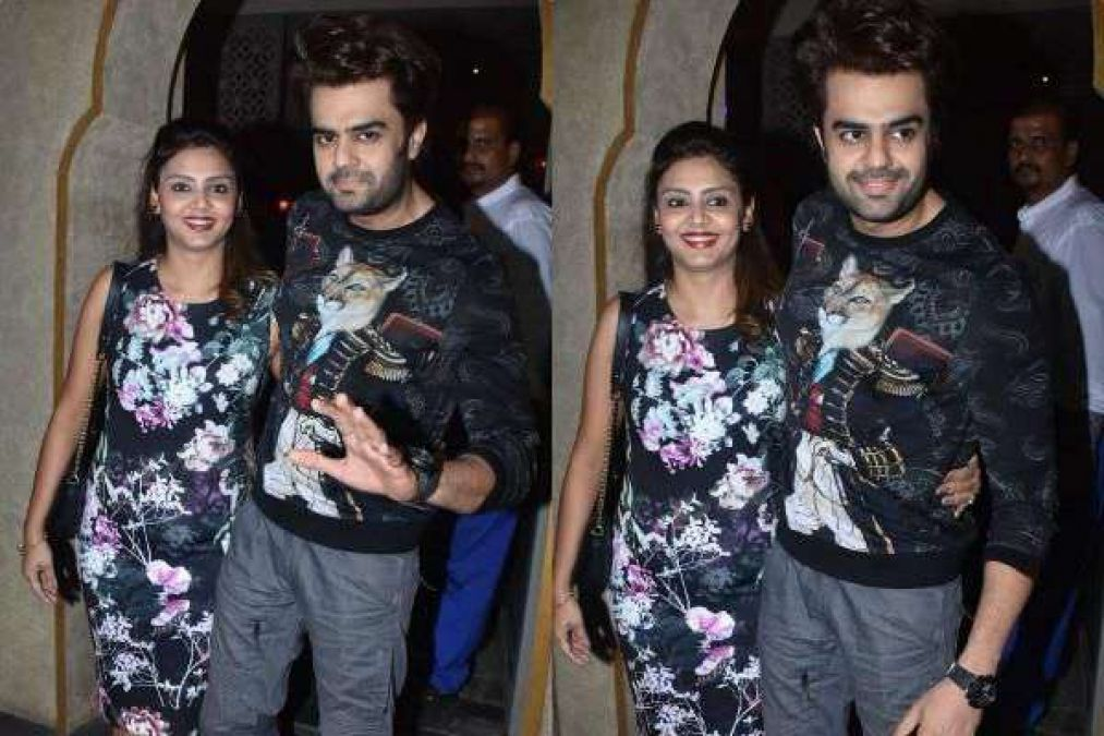 Manish Paul, Wife On Romantic Dinner Date, Photos Going Viral