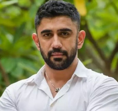 Sushant's co-star Amit Sadh reveals he was banned by TV industry