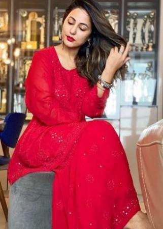 ईद पर छाया हिना खान और आमना शरीफ का देसी लुक, जबरदस्त अंदाज में दी फैंस को बधाई