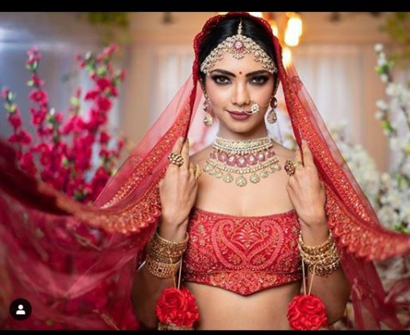 Bridal Photoshoot of Pooja Banerjee is trending on social media, gets a fierce compliment!
