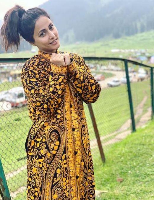 हिना खान को माँ ने गिफ्ट की खूबसूरत जैकेट, पहनकर जमकर दिए पोज