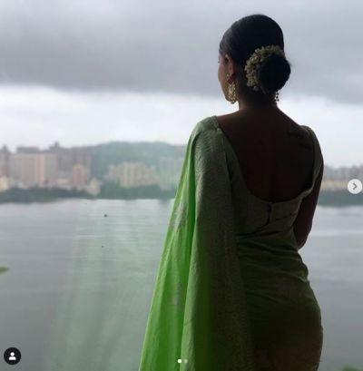 After Sari, This Actress Blew Everyone's Sleep In a Black Hot Dress!