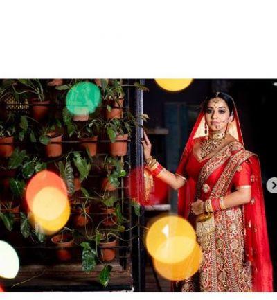 लाल दुल्हन के जोड़े में बहुत प्यारी नजर आईं डायन मोहना, वायरल हो रहीं तस्वीरें