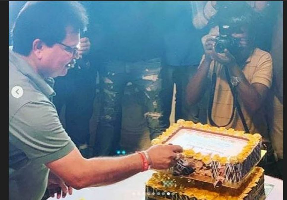 Gokuldham Society turns bride, Cut cake on completion of 11 years of Tarak Mehta!