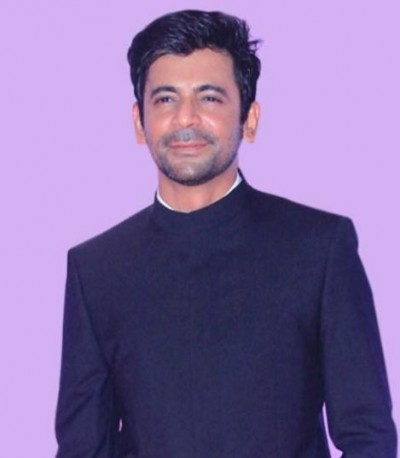 Sunil Grover is telling the condition of people in work from home