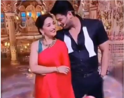 Video: Sidharth Shukla seen romanticizing with 'Dhak Dhak Girl' of Bollywood