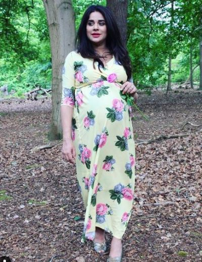This Jamai Raja fame actress is going for many photoshoots amidst pregnancy!