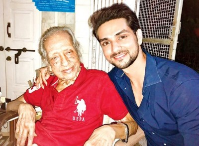 Veteran actor Chandrashekhar Vaidya who worked with big personalities of Bollywood bid goodbye at 98
