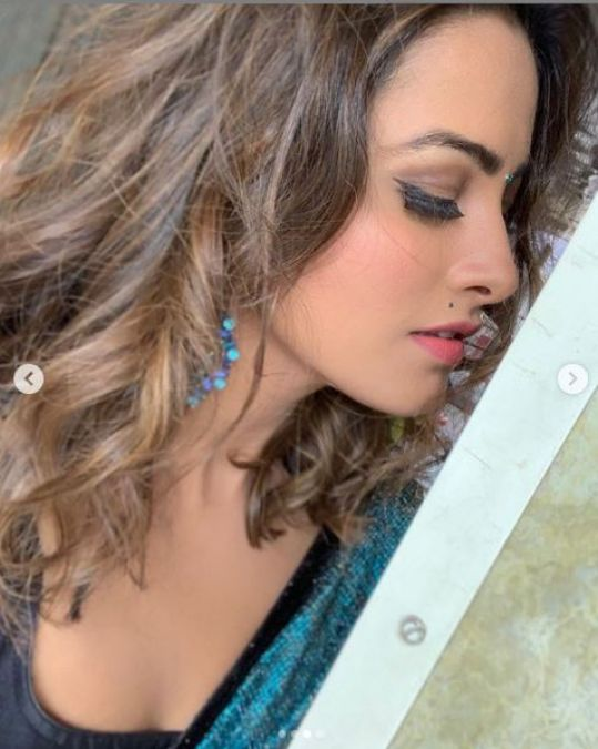 Anita Hassanandani looked gorgeous in the new Saree!
