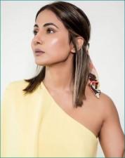 Hina Khan stuns dressed in elegant yellow; photos surfaced